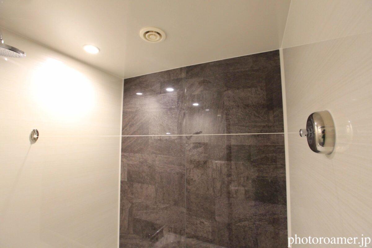 ホテルJALシティ札幌中島公園 浴室 洗濯物干しワイヤー