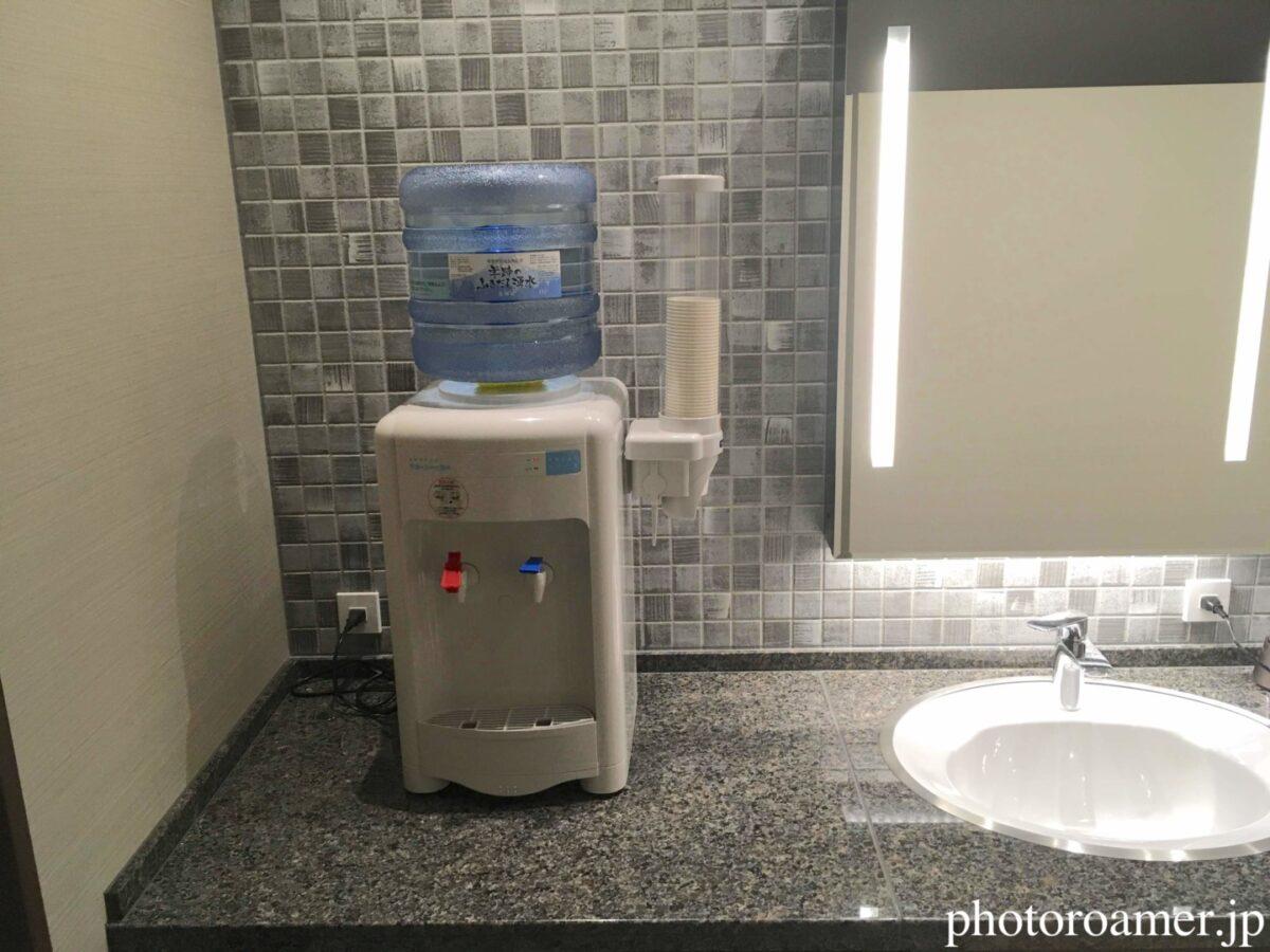 ホテルJALシティ中島公園 温泉 洗面所 ウォーターサーバー