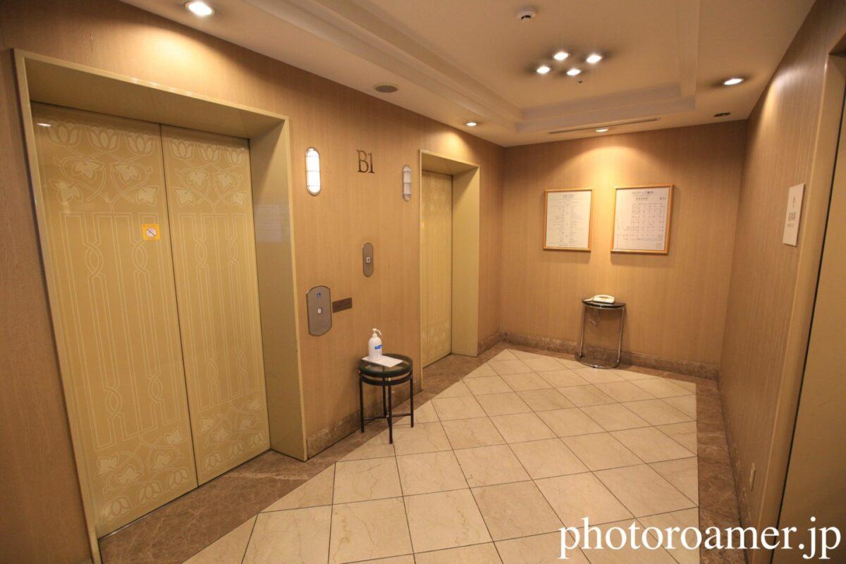 ホテル日航ノースランド帯広 地下駐車場 エレベーター 明るさ