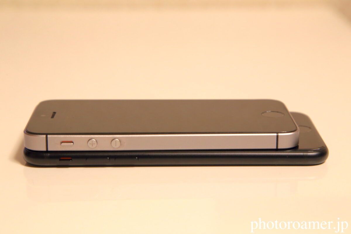 iPhoneSE左側