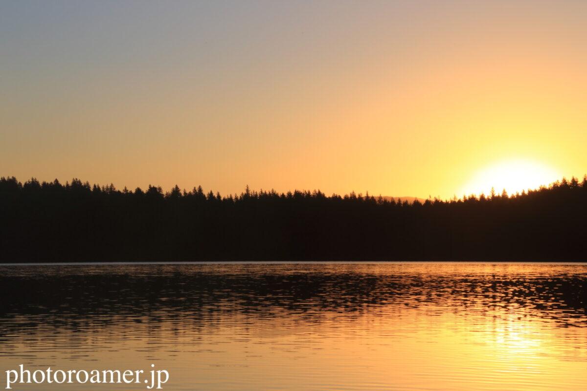 アラスカ キャンプ 朝日