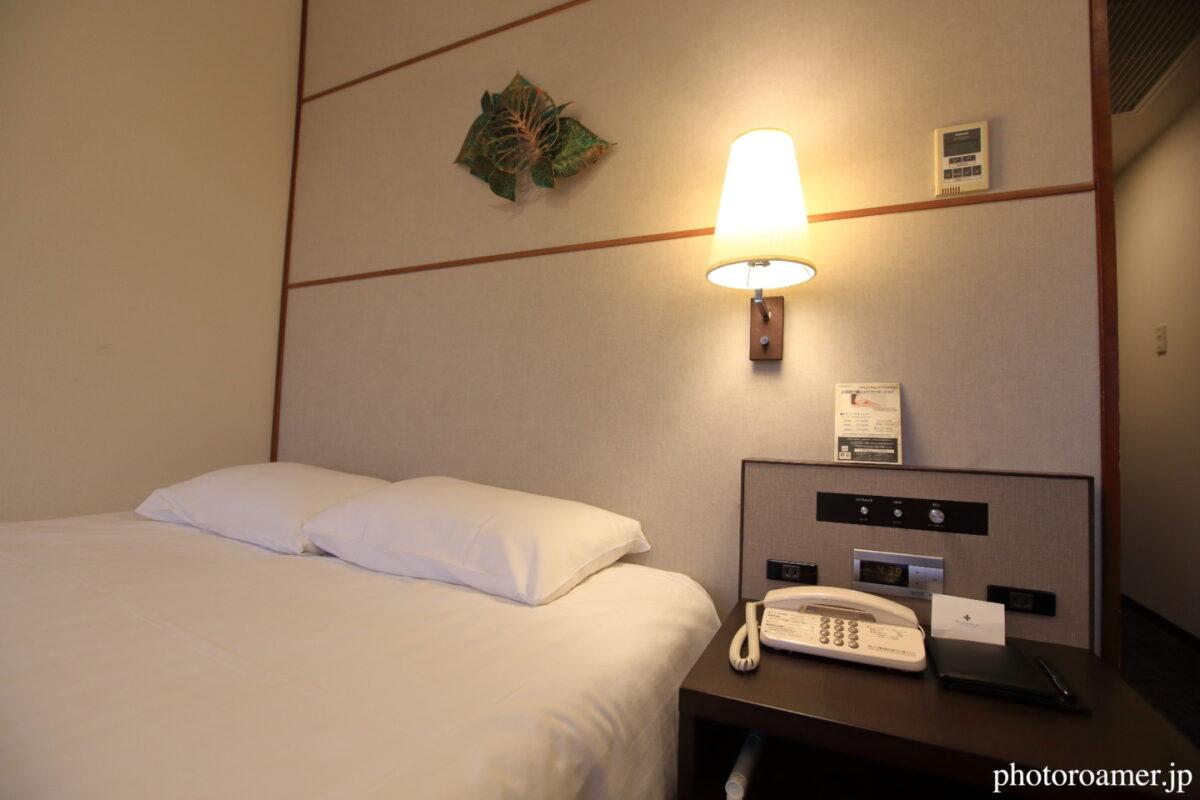 プレミアホテル中島公園札幌 部屋 ベッドスタンド