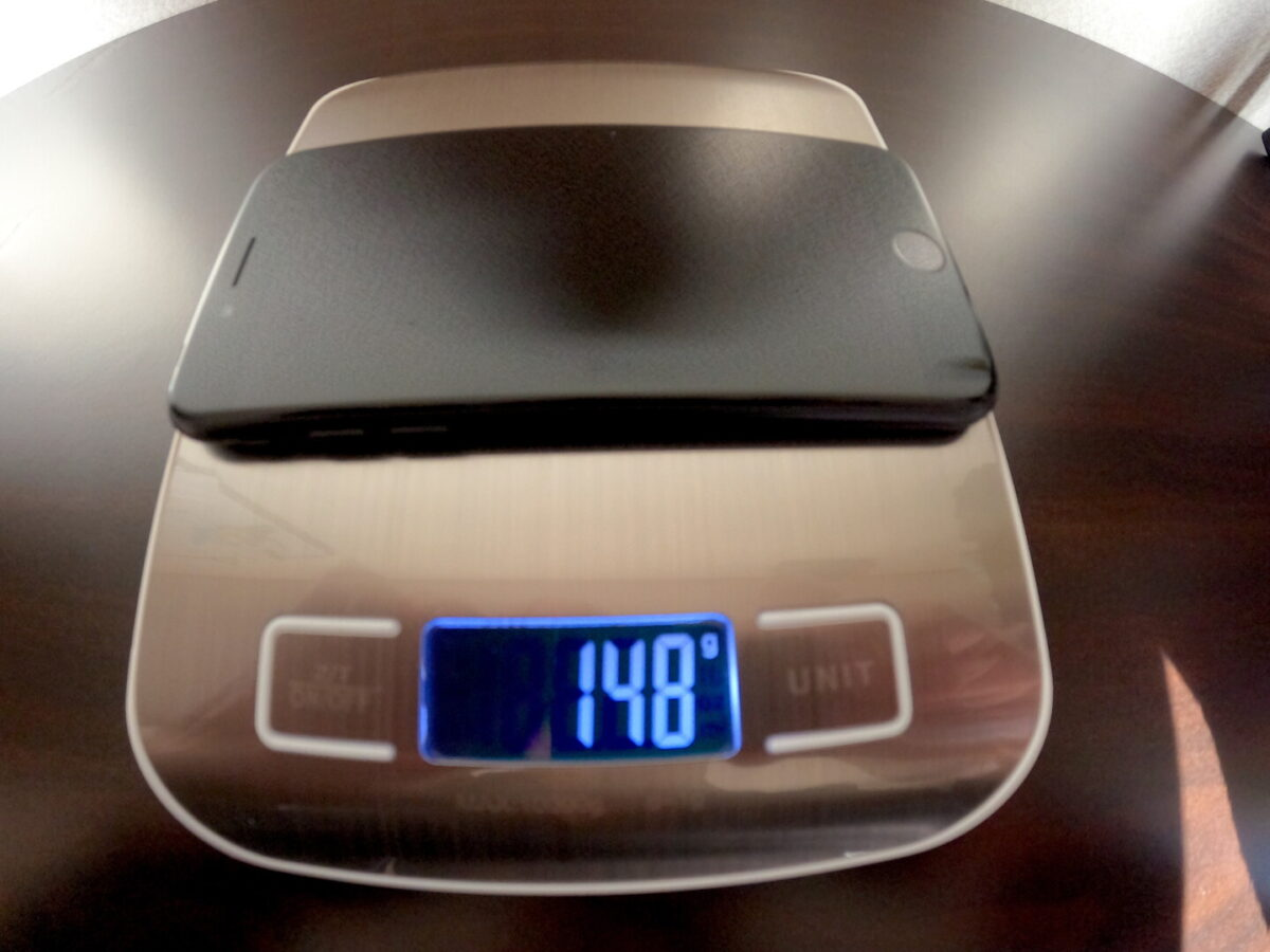GoPro HERO9 スマホ 重さ比較