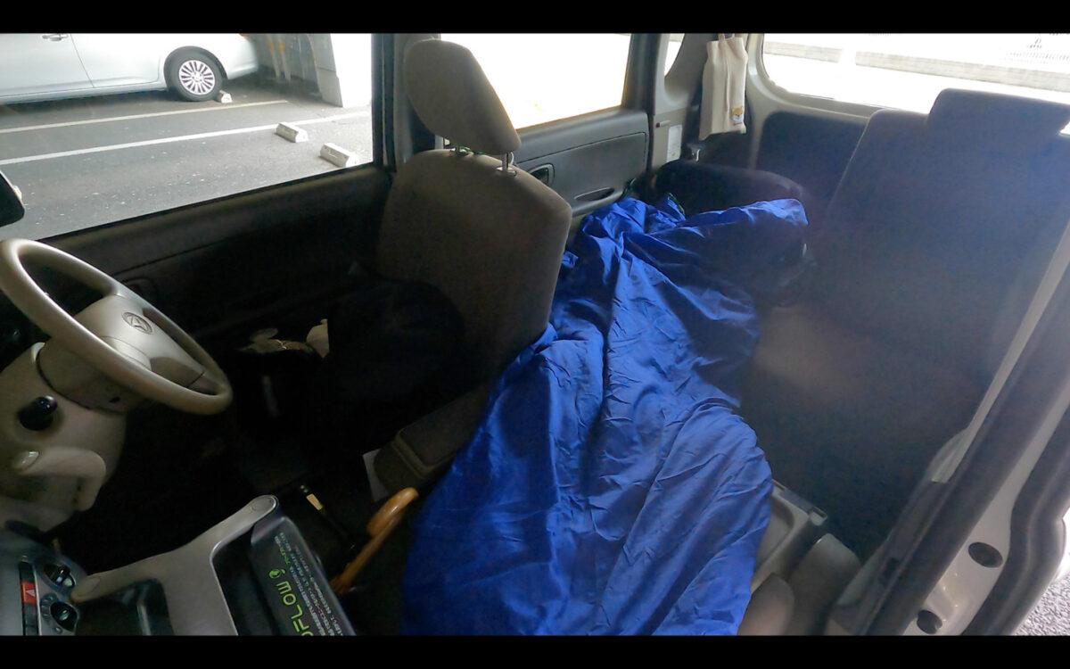 車中泊 マット 寝袋2