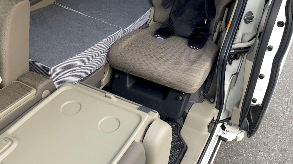車中泊 マット 後部座席2